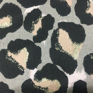 Victoria's Secret Bags - 💙Victoria Secret leopard tote bag